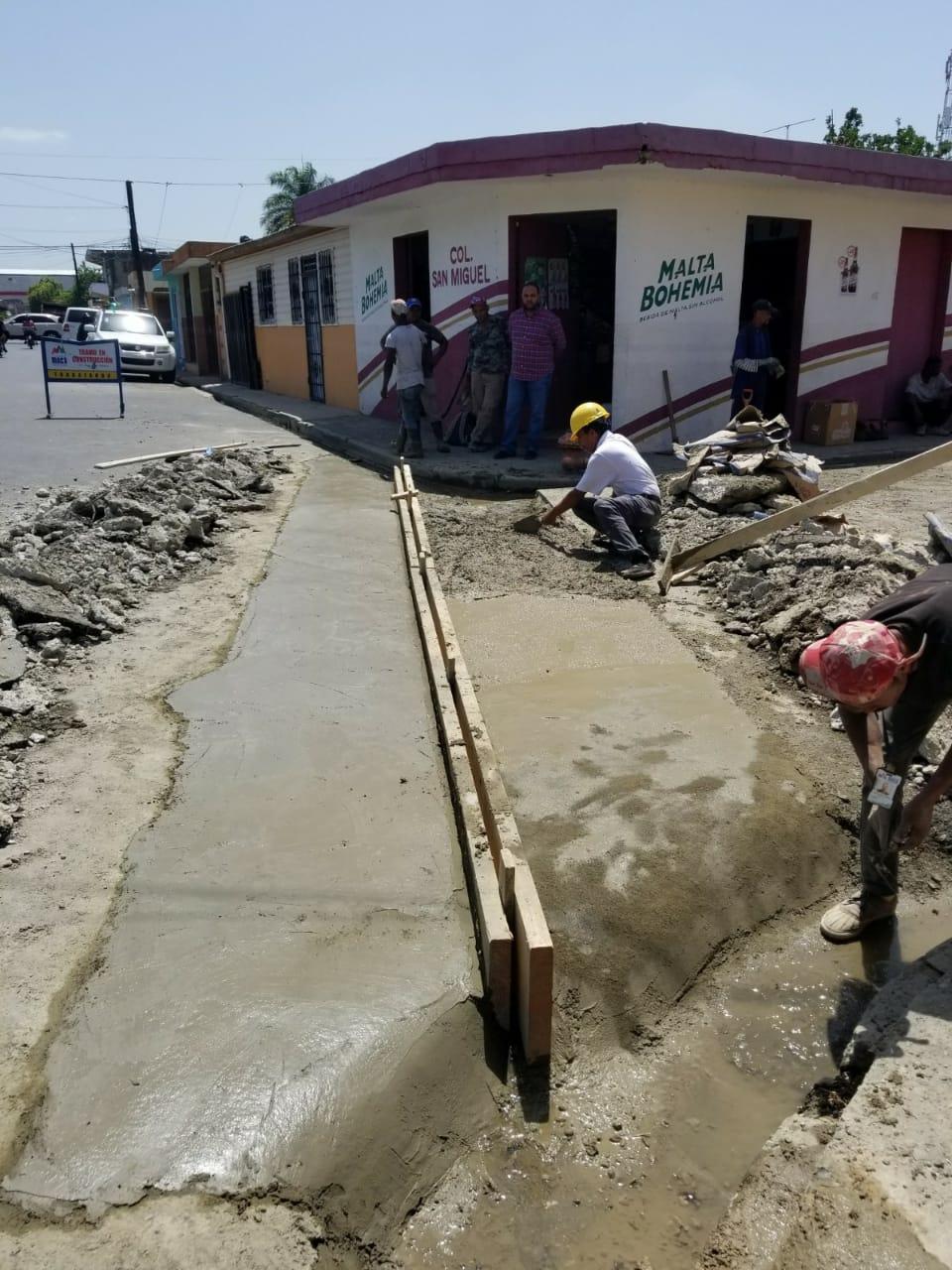 CONSTRUCION DE BADENES EN MOCA